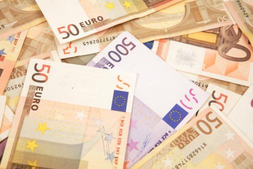 Onlinekredit Bargeld schnell 300 Euro anfragen